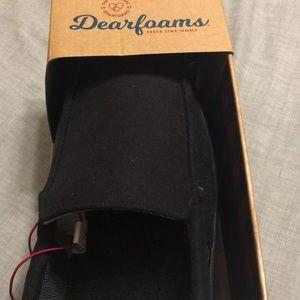 dearfoams Shoes - New Dearfoam men's slippers. Black. Loader style.